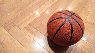 バスケットボール、体育館